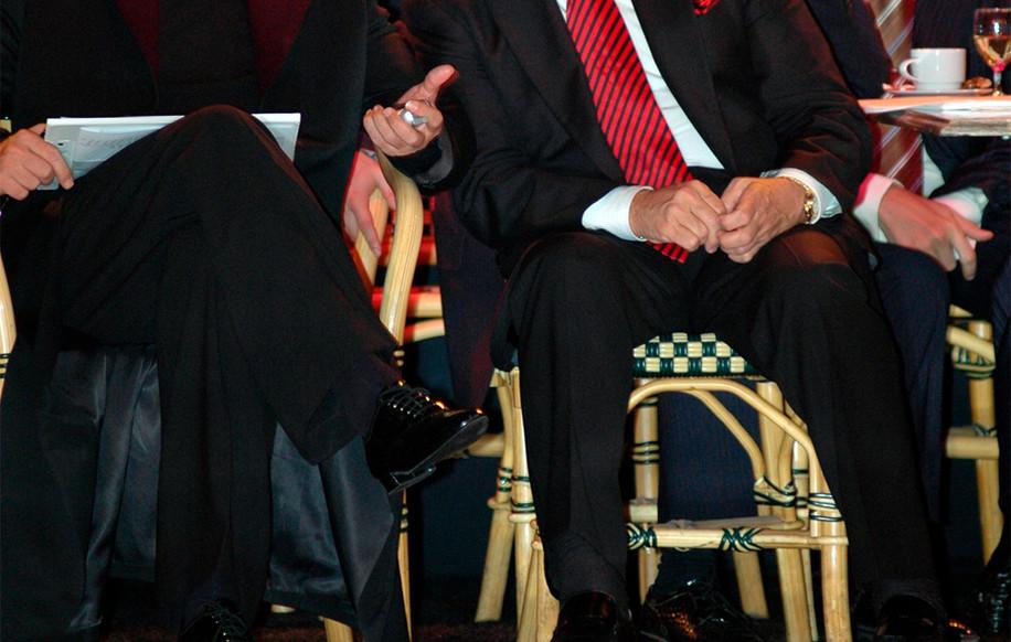 Станислав Попов, вице-президент WDC, с Донни Бернсом, президентом WDC, на турнире Dutch Open (Ассен, 2005).