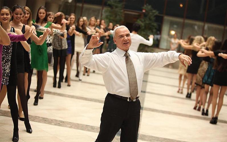 Репетиция Венского бала с участницами национального конкурса красоты 14 февраля 2010.