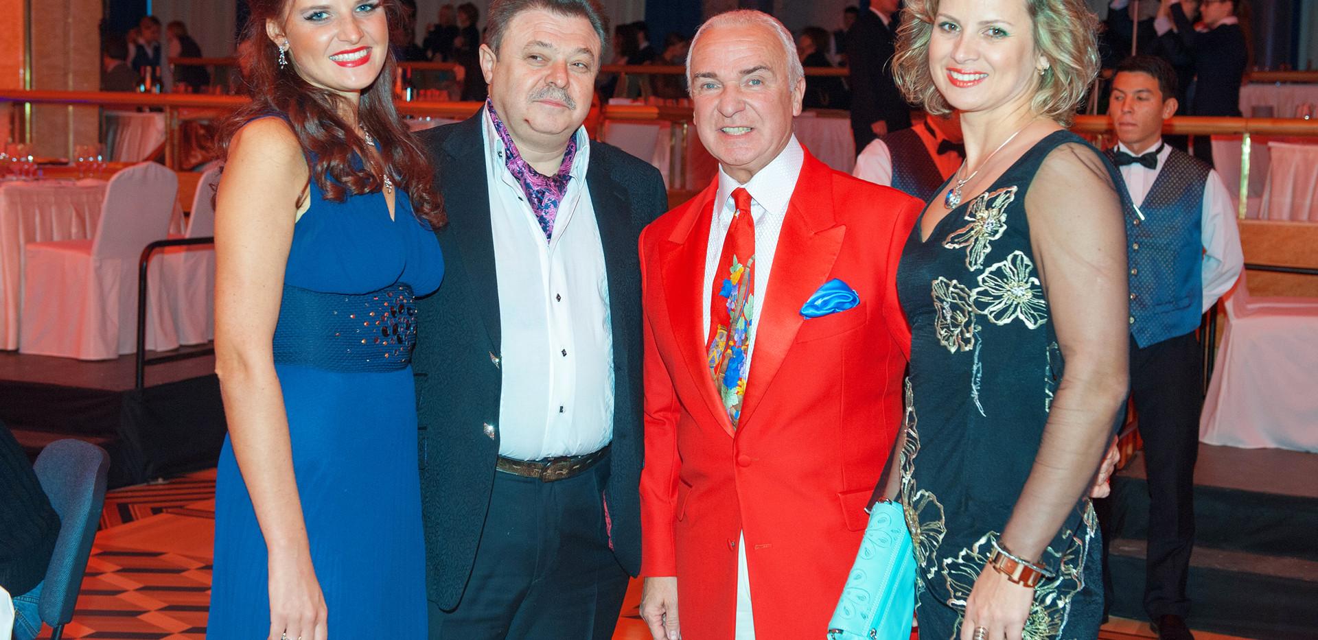 Илья Баскин с супругой, Станислав Попов и Елена Эланж.