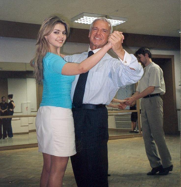 С дебютанкой Венского бала Алиной Кабаевой, 2003.