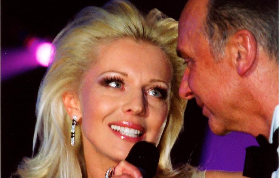 Певица Наталья Ветлицкая (ученица по бальным танцам С.Попова) и Станислав Попов.