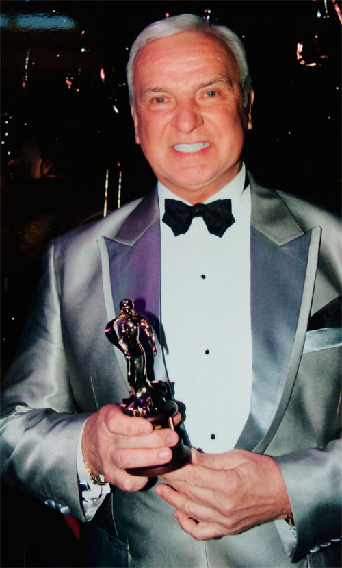 "Станислав Попов - лауреат ""Carl Alan Awards"""