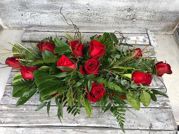 Roses_Bed of Roses_Arrangement_Centerpie