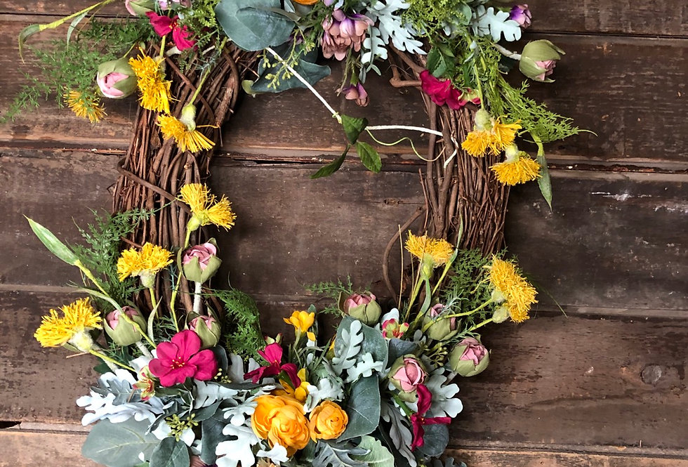 Gathering Wildflowers Oval Wreath