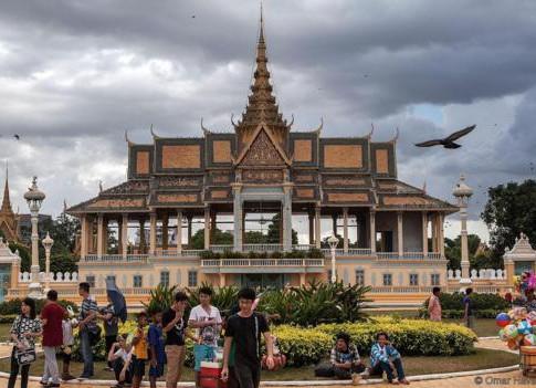 Cambodia's Creepy Crawly Cuisine