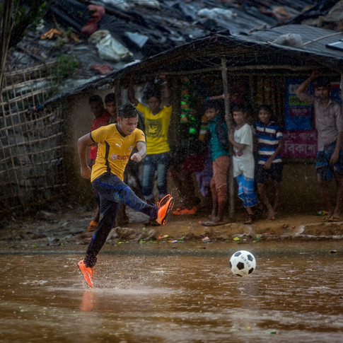 In a Rohingya Refugee Camp, Soccer Is a Joyful Escape
