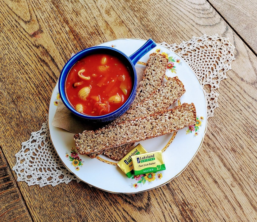Minestrone Soup with Oat Bread