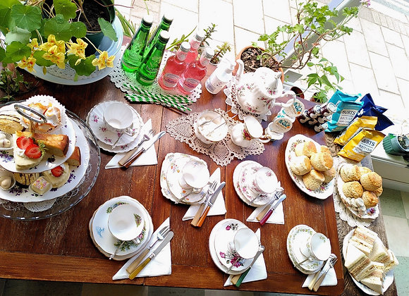 DELUXE Garden Party Picnic with vintage tea set (and no washing up!)