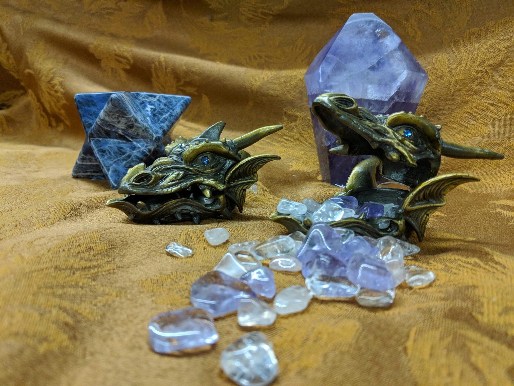 DRAGONS & CRYSTALS