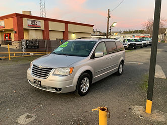 2010 CHRYSLER TOWN & COUNTRY 3