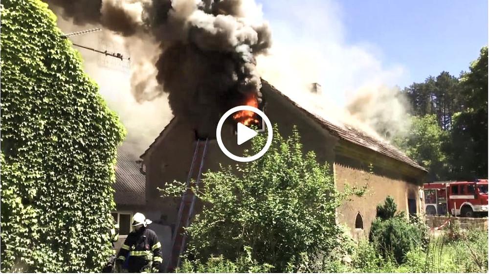 Jak hoří PUR pěna: požární cvičení ukázalo, že samozhášivý materiál může velmi intenzivně hořet