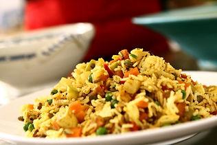 אורז בסמתי ובר עם עלים ירוקים