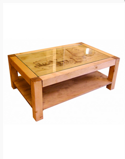 Table basse décor sculpté à la main