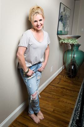 005_002_Kim_Lyles full jeans.jpg