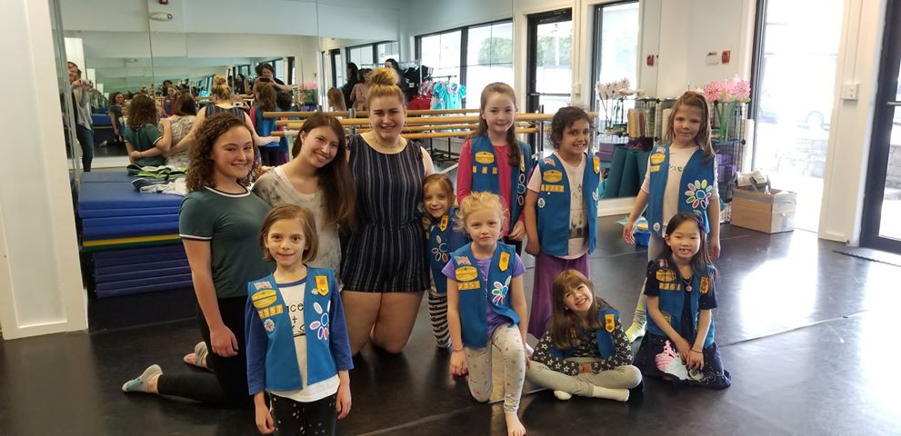 GIRL SCOUT TROUPE.jpg