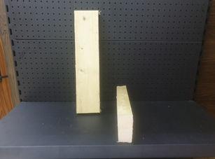 """קורות עץ 5/10 מחוטה זה עץ שמיועד לבניית תשתיות שונות תשתית לדק תשתית לקירות בדרך כלל סוג עץ זה עובר הליך חיטוי הליך שאמור לשמור על העץ ממזיקים מחיר למטר רץ 9 ש""""ח כולל מע""""מ"""