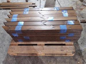 עץ לגדר להרכבה עצמית , ניתן לקנות עצים לגדר מלוחות עץ 2 על 10 צבוע וחתוך למידה