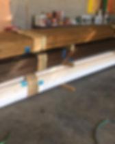 עץ חתוך למידה לפרגולה לדק ולגדר צבוע ומוכן להתקנה