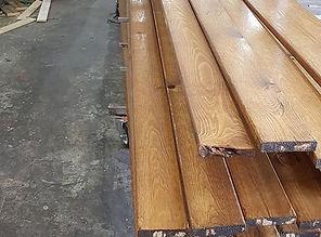עץ לגדר צבוע מוכן להרכבה עצמית