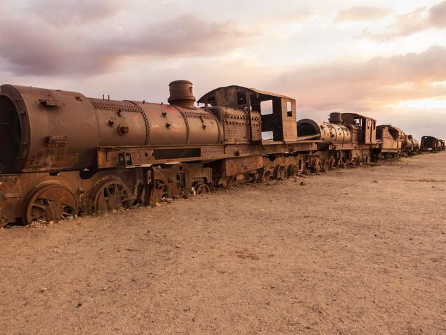 Salar_Uyuni_Train_Cemetary_Sunset-51.jpg