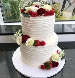 Wedding Cake _#wedding#cake#freshflowers