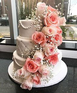Wedding Cake 🌹 _#weddingcake#weddingsea
