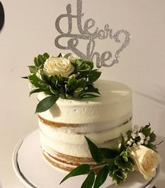 Gender Reveal Cake 💗💙 #heorshe#boyorgi