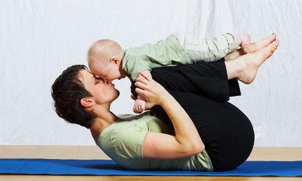 postnatal-yoga-yoga-with-babies-baby-yoga-fireflow-yoga.jpg