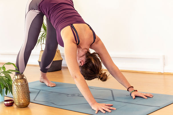 Claire-Bradley-yoga-classes-Rugby-corporate-yoga-business-workplace