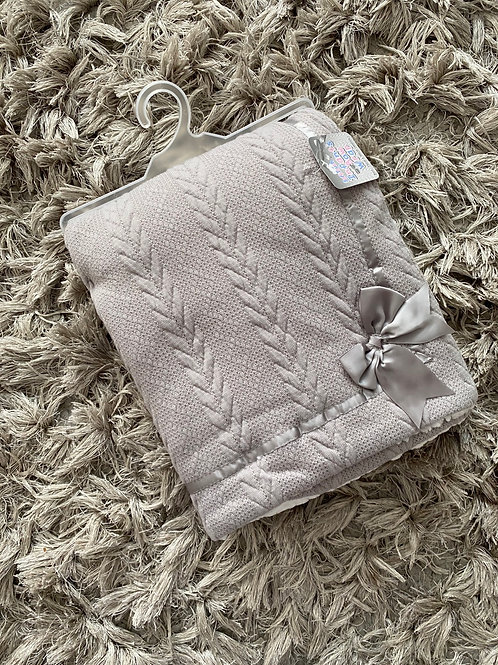 Soft touch grey bow blanket