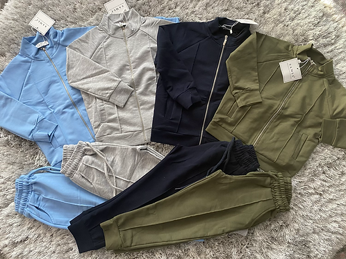 Boys zip up tracksuits ages 2-10 Years