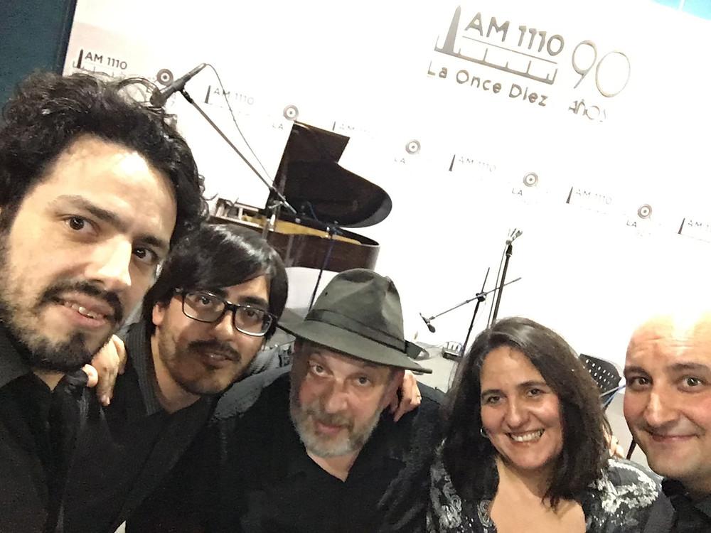 el afile tango  en radio fm 2x4