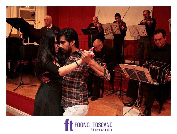 Halsband Milonga, con la Orquesta gente de tango