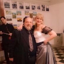 con Cesynes Peralta