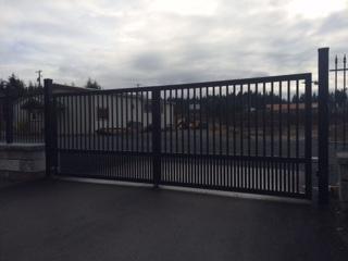58.Sliding Gate