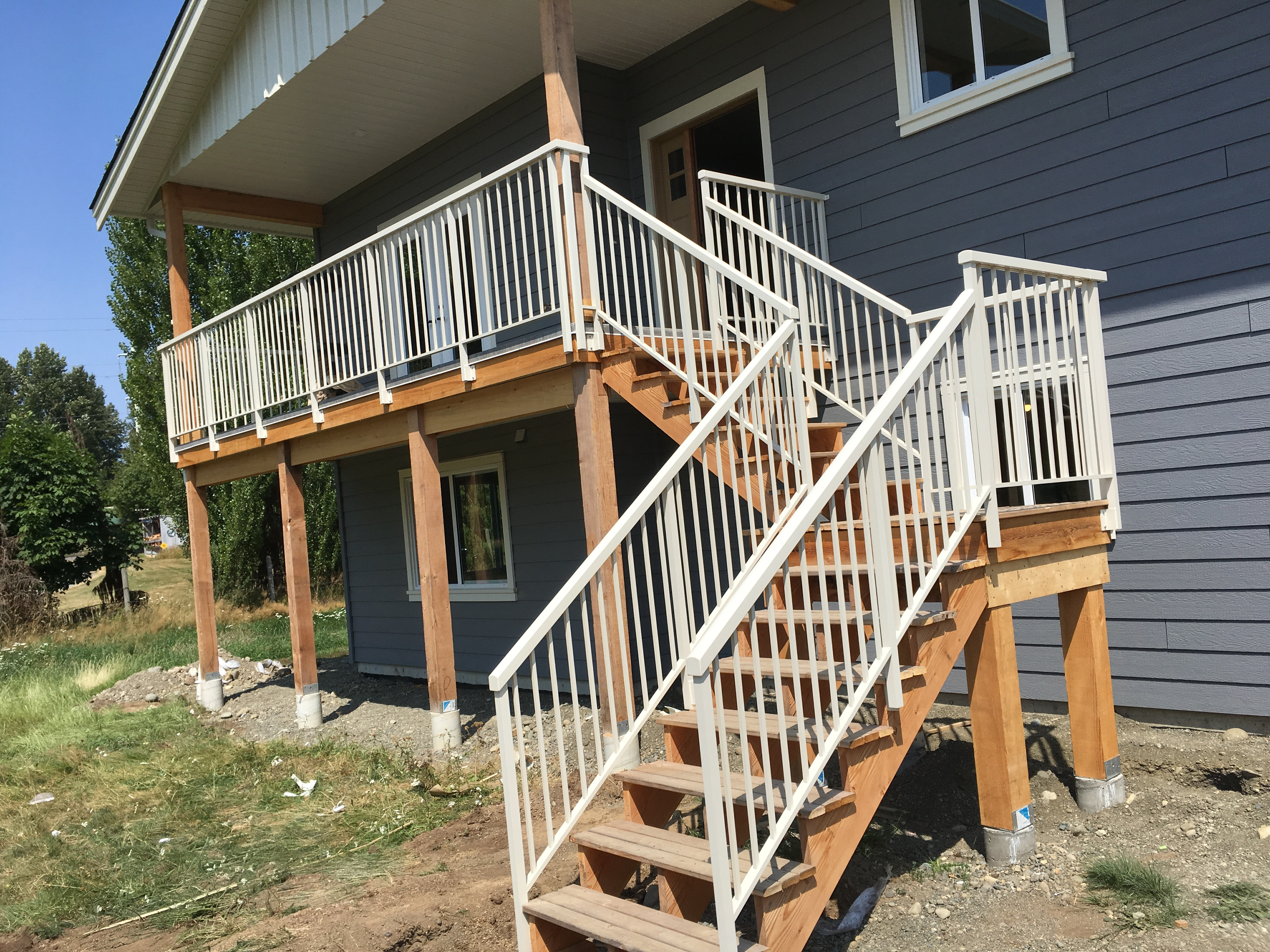 79.Aluminum powder coated railing.