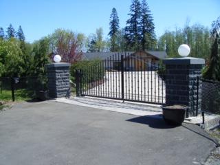 62.Custom gate