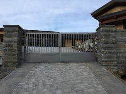 1.Bonnington Gate