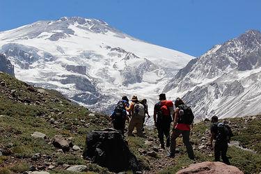 Hiking trail glaciar nieves negras santi