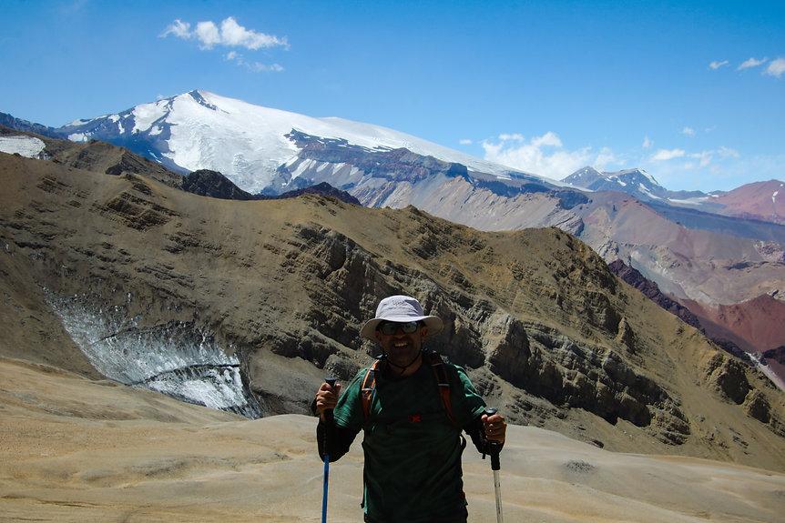 nevado-piuqunes-trekking-santiago