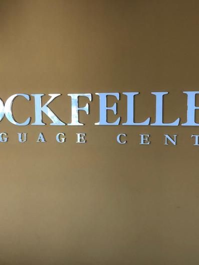Rockfeller Fachada Acrílicos Curitiba