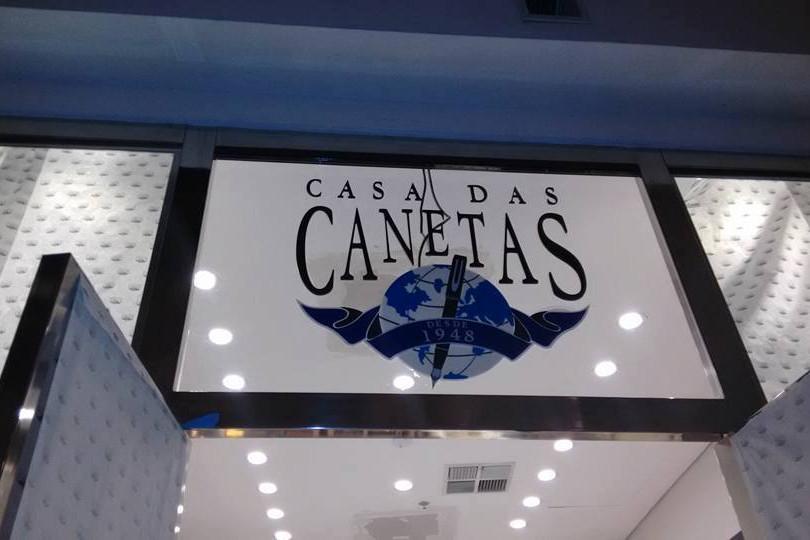 Casa das canetas Fachada Acrílicos Curitiba