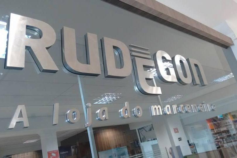 Rudegon Fachada Acrílicos Curitiba