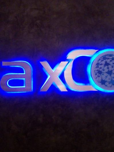 Max Core Fachada Acrílicos Curitiba