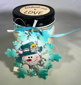 minty snowman candle.jpg