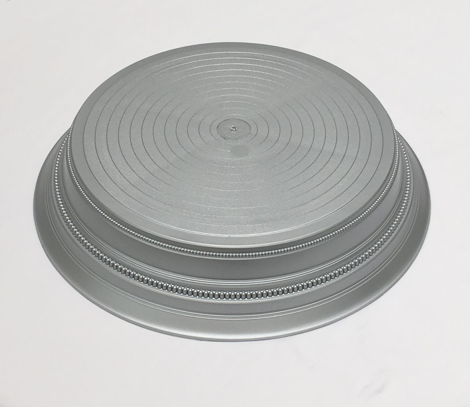 Silver satin cake stand to hire
