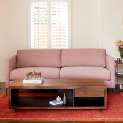 Modern Design with Metal Legs, this Custom Sofa is Perfect for Apartment Living