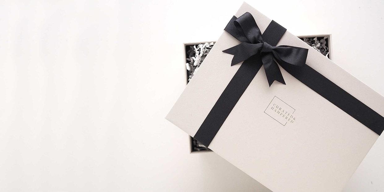 luxury gift hampers uk