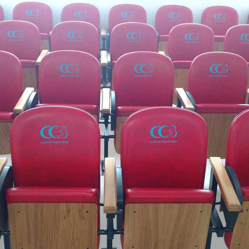 poltronas para auditorio Innovati
