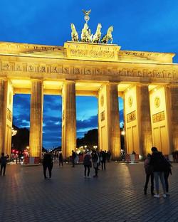 Welcome to Berlin - Brandenburg Gate_Bud